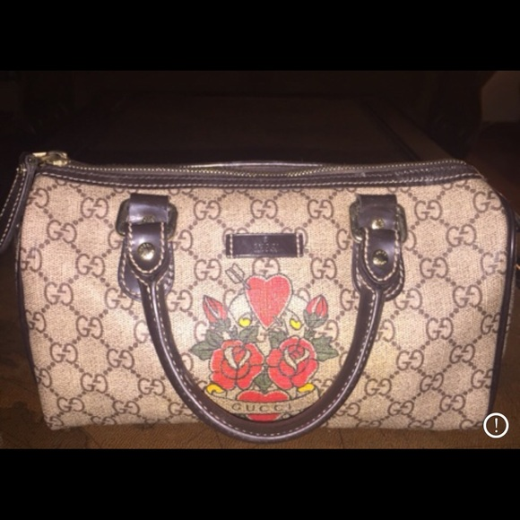 ca30236dc04 Gucci Handbags - Gucci Rose Hearts Tattoo Mini Joy Boston Bag
